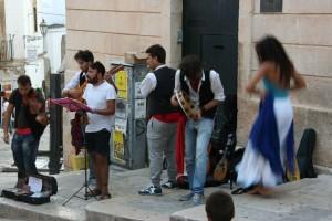Reise Hunter Italien Ostuni Straßenmusik