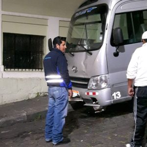 Reise Hunter Quito Bus