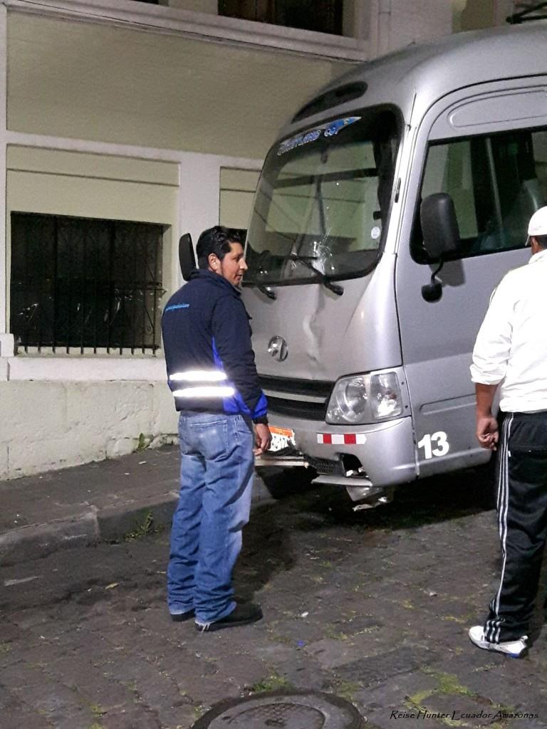 Reise Hunter Quito Bus