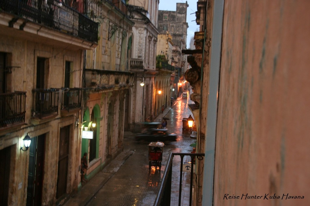 Reise Hunter Kuba Havana im Regen