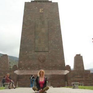 Reise Hunter Quito Mitad del Mundo J