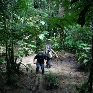 Reise Hunter Ecuador Amazonas Wanderung Tum
