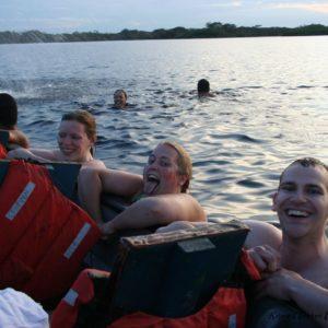 Reise Hunter Amazonas schwimmen gehen