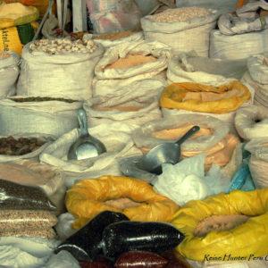 Reise Hunter Cusco Getreide und Gewürze