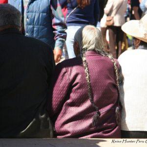 Reise Hunter Cusco Alte Frau Zöpfe