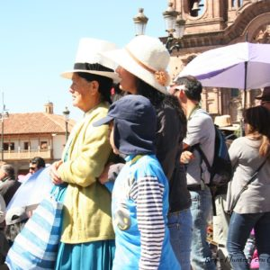 Reise Hunter Cusco Frau mit Hut