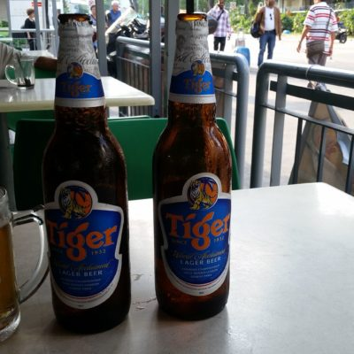 Reise Hunter Singapur Erstes Tiger Beer