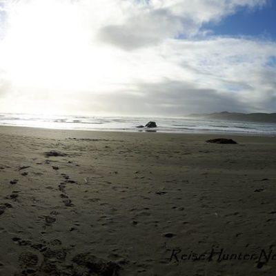 Reise Hunter Neuseeland Nordinsel Raglan dunkler Sand
