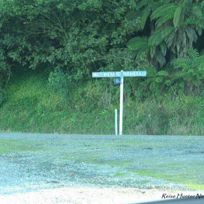 Reise Hunter Neuseeland Nordinsel Straßenschilder