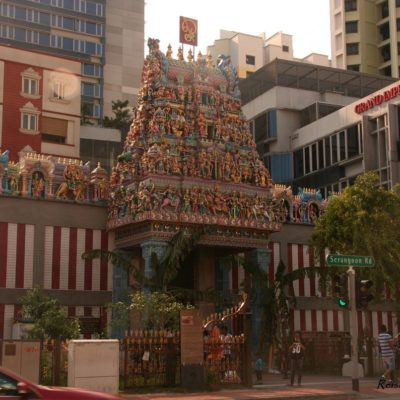 Reise Hunter Singapur Little India Tempelfront