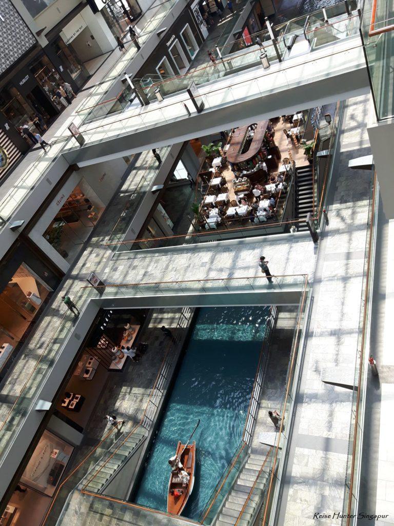 Reise Hunter Singapur Marina Bay Mall Boot