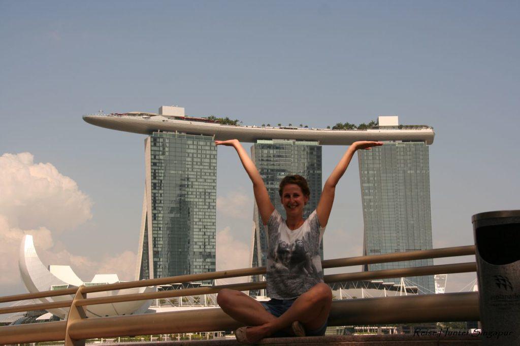 Reise Hunter Singapur Marina Bay Tower Hebefigur 2