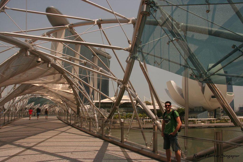 Reise Hunter Singapur Matrix Bridge