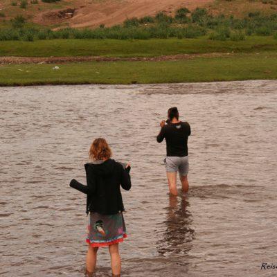 Reise Hunter Mongolei Flussdurchquerung