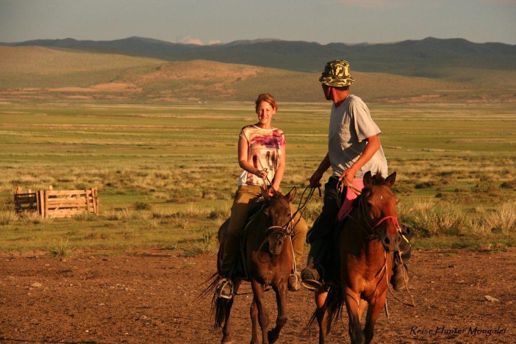 Reise Hunter Mongolei Judith reitet
