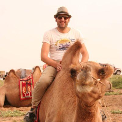 Reise Hunter Mongolei DJ und Kamel2