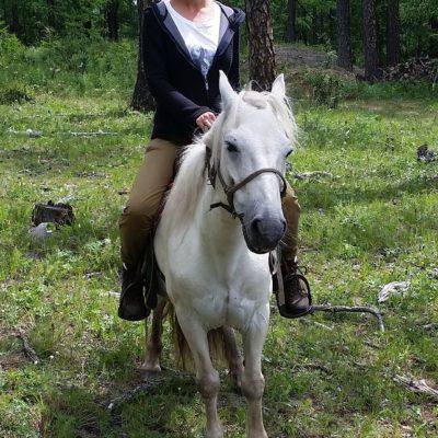 Reise Hunter Mongolei Judith und ihr Pferd