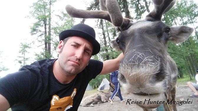 Reise Hunter Mongolei Rentierselfi2