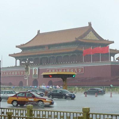 Reise-hunter-peking erster Tempel im Regen