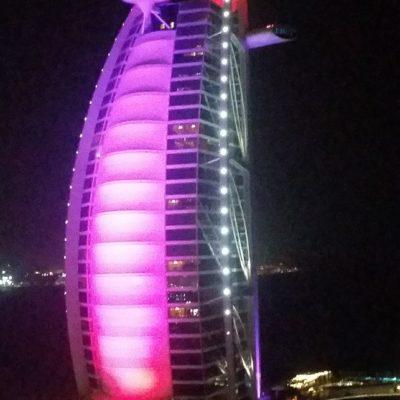 Reise-hunter-dubai-burj-al-arab-hotel-bei-nacht3